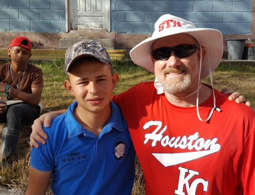 Honduras Mission Trip Fosters Lasting Commitment to Faith, Service Among Eagle Scholars