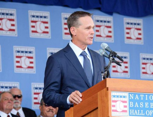 #TBT Astros Icon Craig Biggio Embraces St. Thomas Family During Hall of Fame Celebration